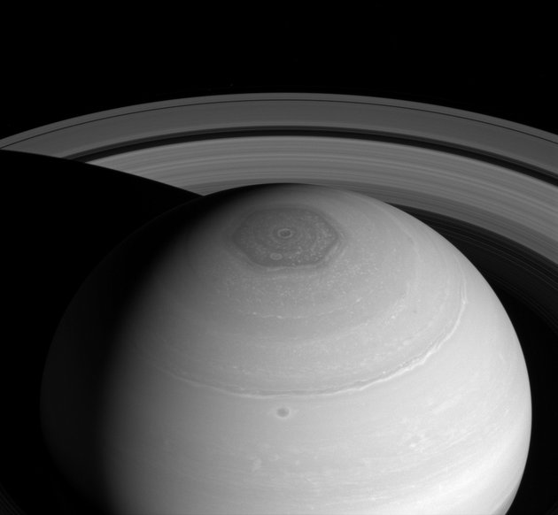 PIA18274-Saturn-NorthPolarHexagon-Cassini-20140402.jpg