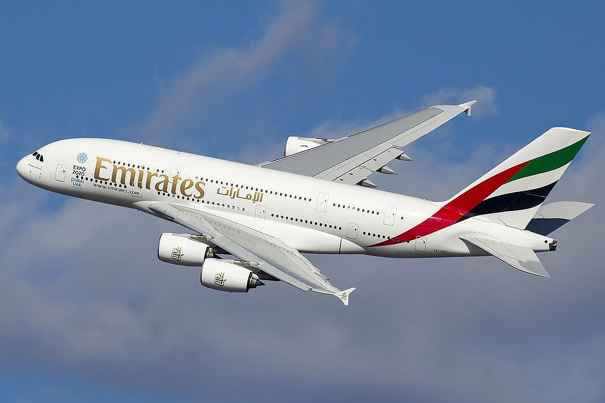 1200px-A6-EDY_A380_Emirates_31_jan_2013_jfk_(8442269364)_(cropped).jpg