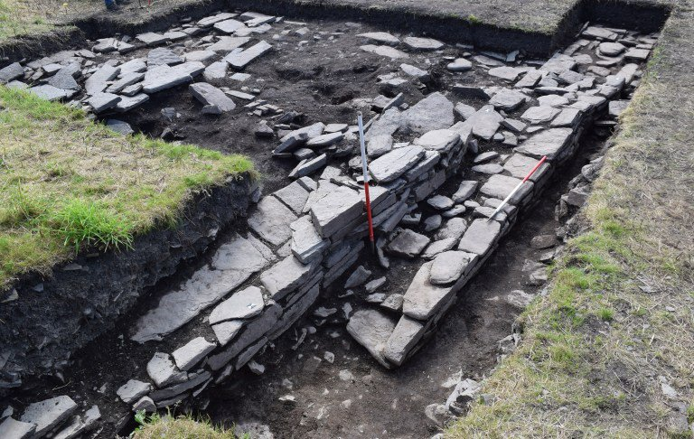 Skaill-Norse-Hall-showing-the-northern-outer-wall-credit-UHI-Archaeology-Institute.jpg