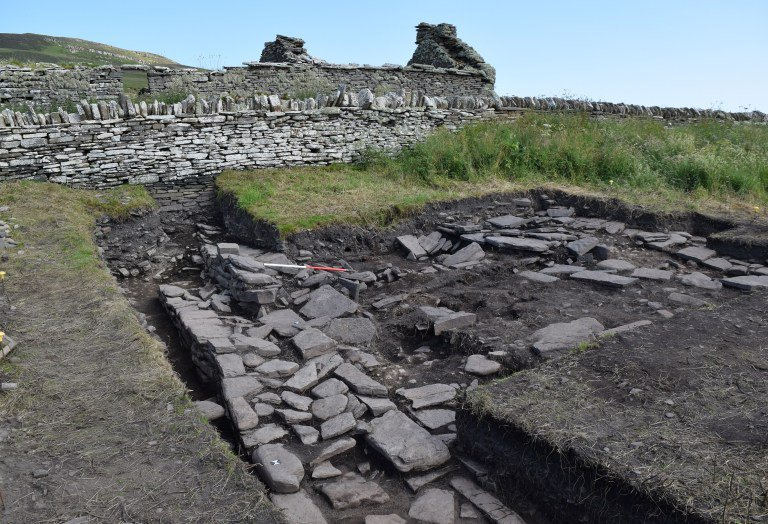 Skaill-Norse-Hall-below-present-farmstead-credit-UHI-Archaeology-Institute.jpg