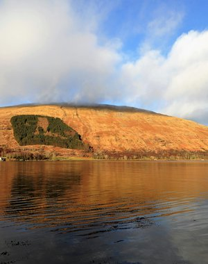Golden hour on the loch a'Choire