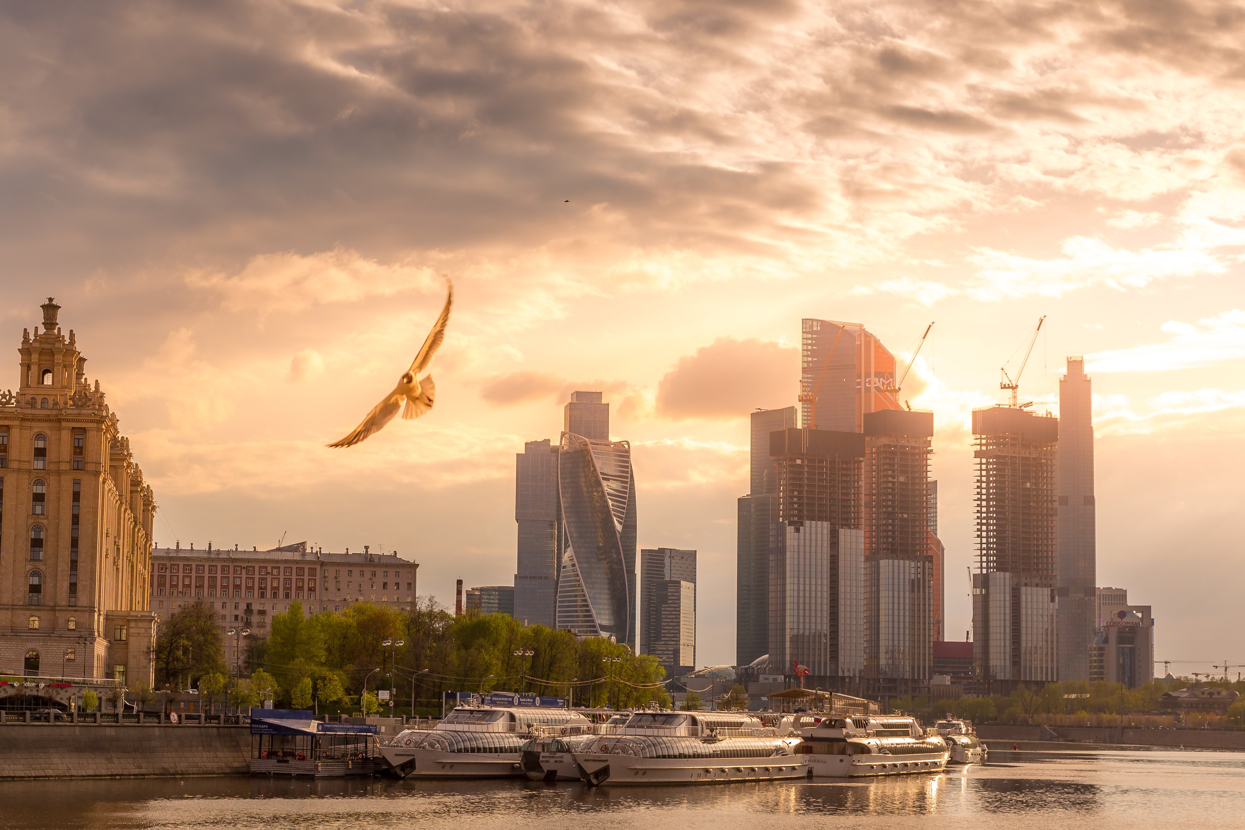Flying over Moscow river