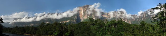 Angel_falls_panoramic_20080314.jpg